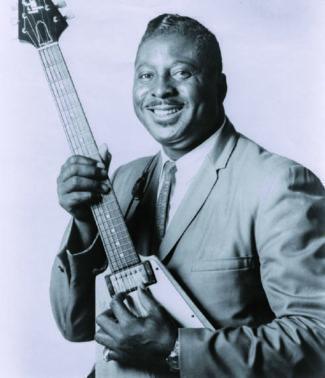 Albert King mit Gitarre