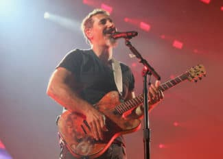 Serj-Tankian-Jolana-Guitar