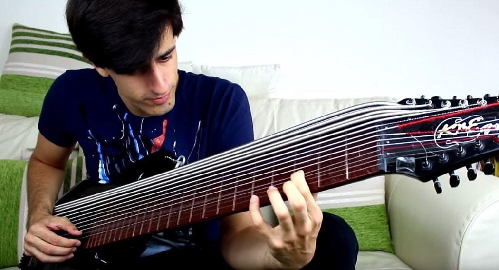 Davie-15-Saiten-Bass