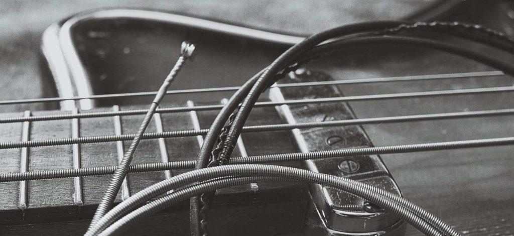 Bass-Saiten-sw