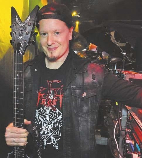 Michael Amott, Gitarrist von ARch Enemy mit Dean Gitarre