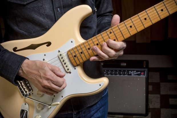 Fender-Eric-Johnson-Stratocaster-5