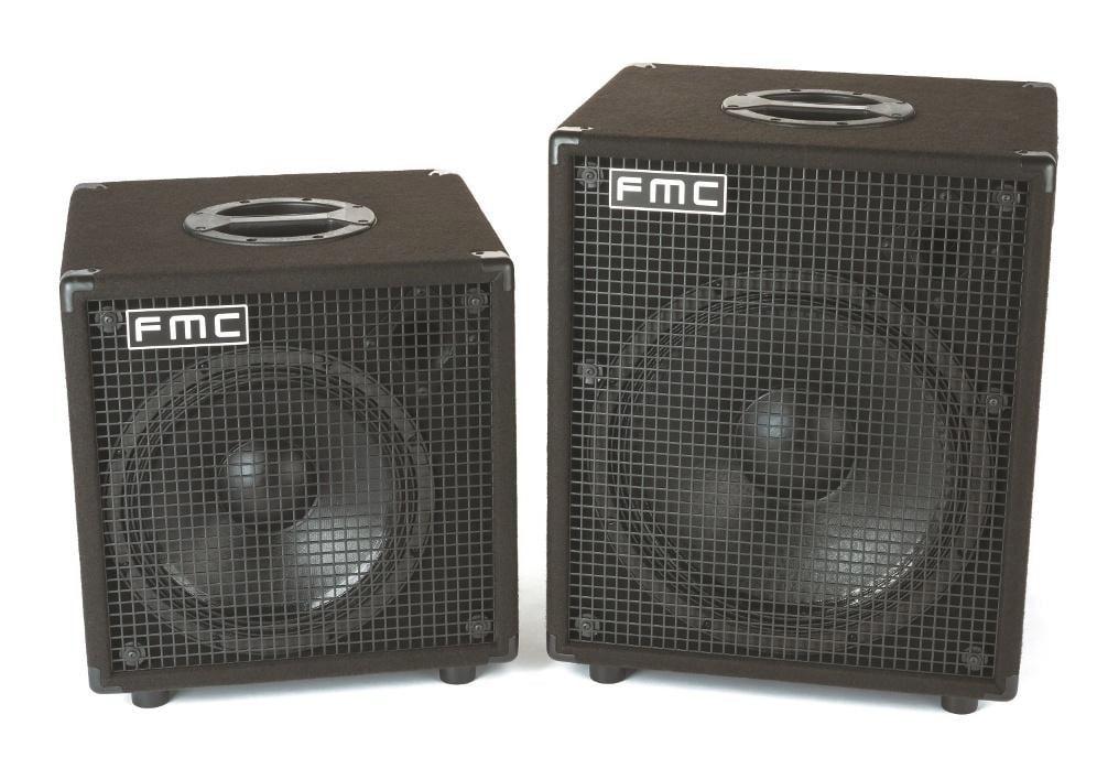Zwei Bassboxen