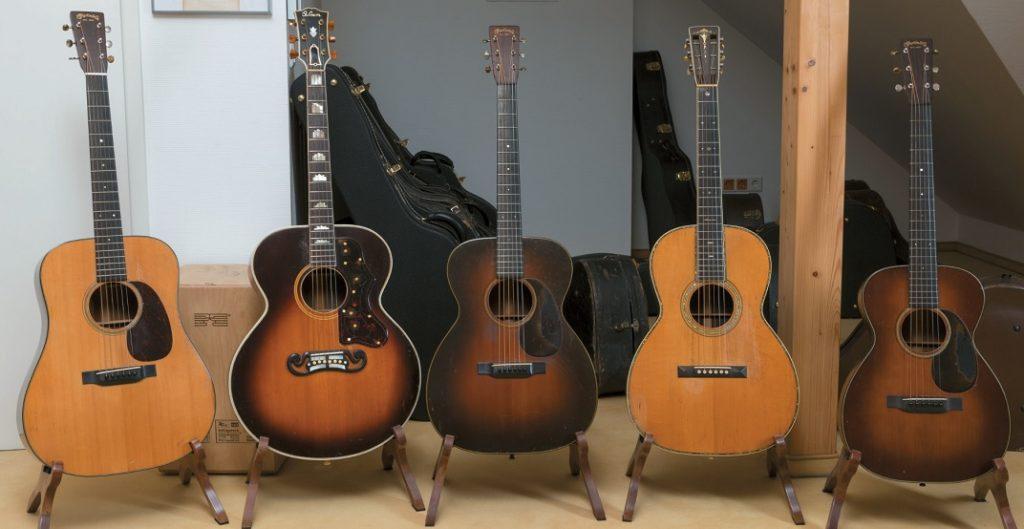 Verschiedene Akustik-Gitarren