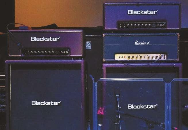 Blackstar Artisan 100 mit 4x12er Boxen und sein alter Scorpions-Marshall-Plexi