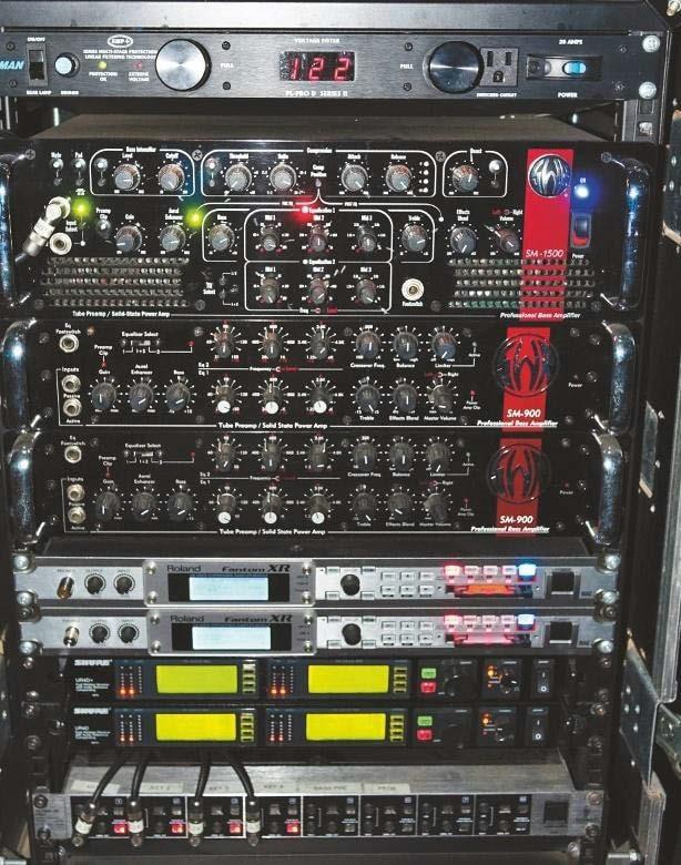 zwei SWR SM-900, SWR SM- 1500 und zwei Roland Fantom XR
