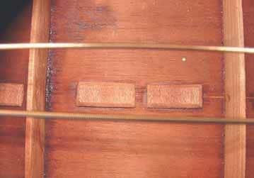 9 Originalzustand, auch nach der Reparatur erkennbar