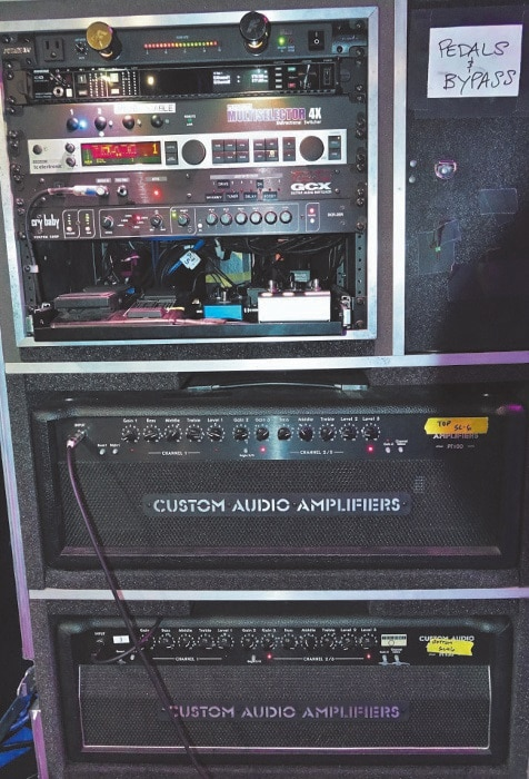 Suhr/Custom Audio Amplification PT 100 und Voodoo Lab GCX Switcher, Cry Baby DCR-2SR und TC Electronics G-Major